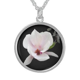 Collar del flor de la magnolia
