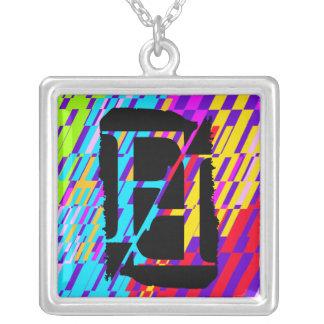 Collar del fragmento del monograma de la letra F