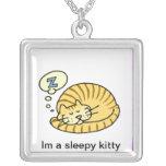Collar del gatito el dormir