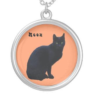 Collar del gato negro