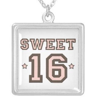 Collar del jersey del dulce 16