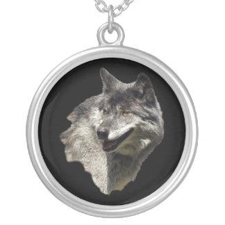 Collar del lobo gris
