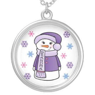 Collar del muñeco de nieve de la abuela