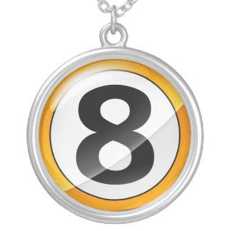 Collar del oro del número 8