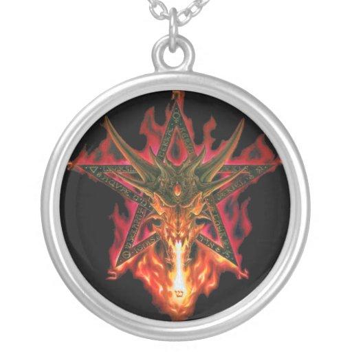 Collar del Pentagram del dragón
