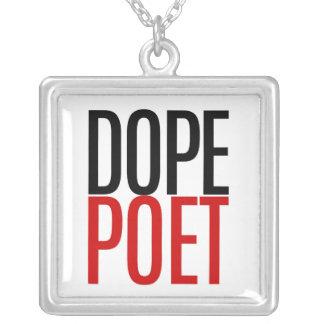 Collar del poeta de la droga