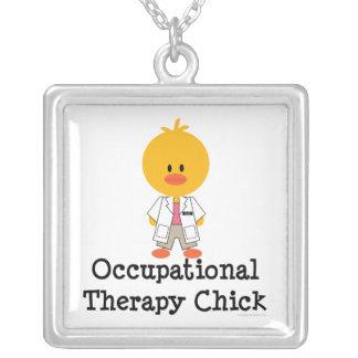 Collar del polluelo de la terapia profesional