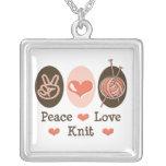 Collar del punto del amor de la paz