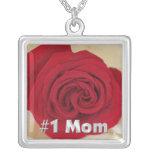 Collar del rosa rojo de la mamá #1