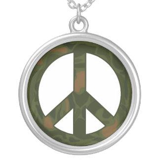 Collar del signo de la paz de Camo