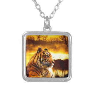 Collar del tigre y del colgante de Sunst