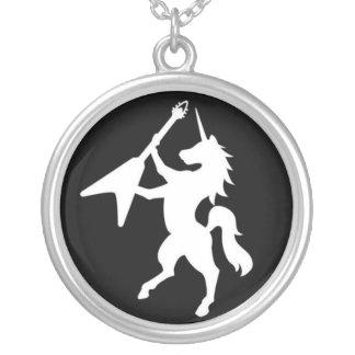 Collar del unicornio (medallón negro)