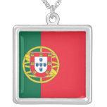 Collar elegante con la bandera de Portugal
