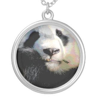 Collar en peligro de la fauna del oso de panda