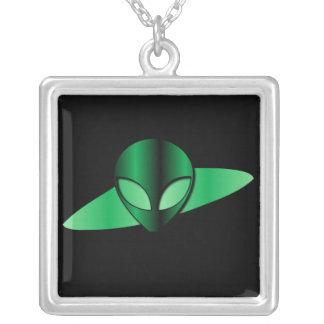 Collar extranjero del UFO
