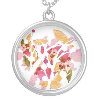 Collar floral abstracto del árbol