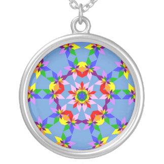 Collar floral colorido abstracto