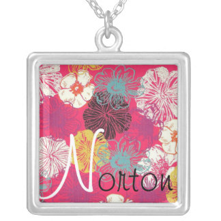 Collar floral de Norton