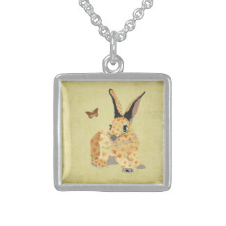 Collar floral lamentable del conejito