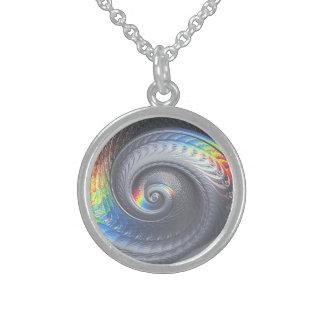 Collar fosilizado surrealista de Shell