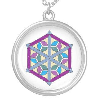 Collar geométrico colorido bonito