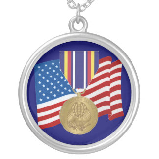 Collar global de la medalla al servicio de la guer