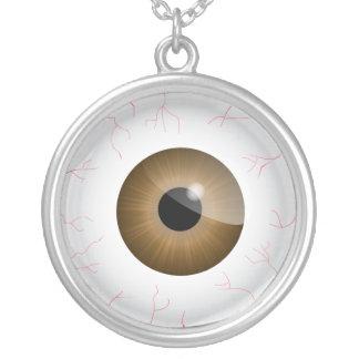 Collar inyectado en sangre del globo del ojo de