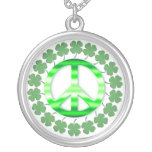Collar irlandés verde afortunado del signo de la p