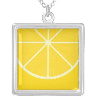 Collar lindo de Kawaii del limón