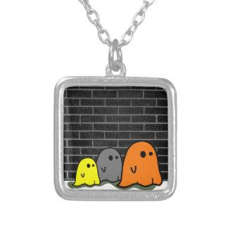 Collar lindo de los fantasmas de Halloween