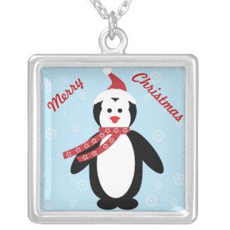 Collar lindo del navidad del pingüino del dibujo a