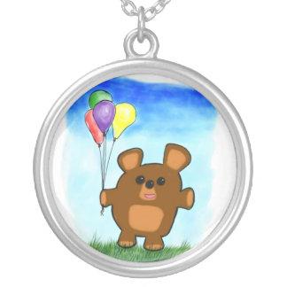 Collar lindo del oso del cumpleaños del dibujo ani