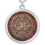 Collar maya antiguo del arte del fractal del disco
