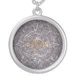 collar maya del calendario