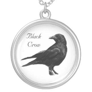 Collar negro del cuervo