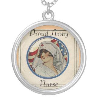 Collar orgulloso de la enfermera del ejército