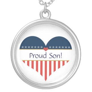 Collar orgulloso patriótico del corazón de la
