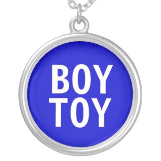 """""""Collar pendiente del juguete del muchacho"""""""
