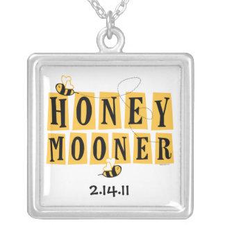 Collar personalizado abeja del recién casado