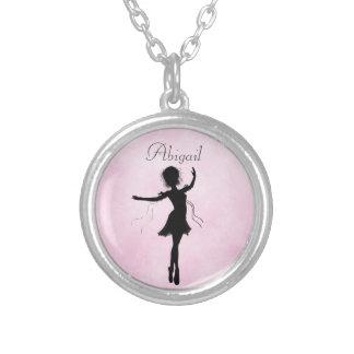 Collar personalizado de la silueta de la bailarina