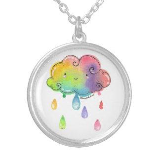 Collar plateado plata de las duchas de arco iris
