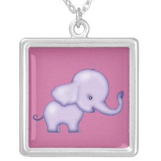 Collar poco rosado y púrpura del elefante