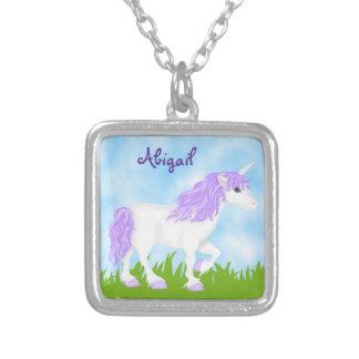 Collar púrpura personalizado lindo del unicornio