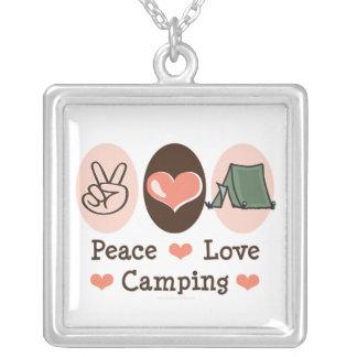 Collar que acampa del amor de la paz