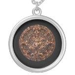Collar redondo de Sun del arte maya antiguo del ca