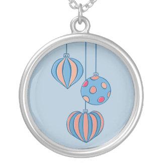Collar retro del azul de las bolas del navidad