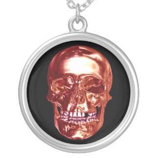 Collar rojo del cráneo del cromo