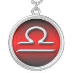 Collar rojo del ~ de la pendiente del zodiaco del