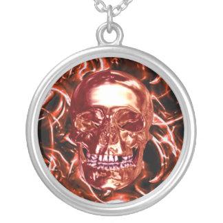 Collar rojo eléctrico del cráneo del cromo