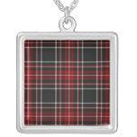 Collar rojo llano de la tela escocesa